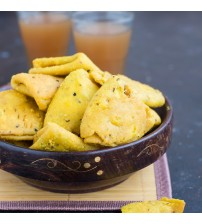 Shuchi Methi Farsi Puri with Pickle